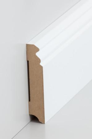 Hohe Sockelleiste mit dekorativen Rillen in weiß (719.096)